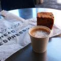 美味しいパンとエスプレッソの香りが彩る表参道の朝。